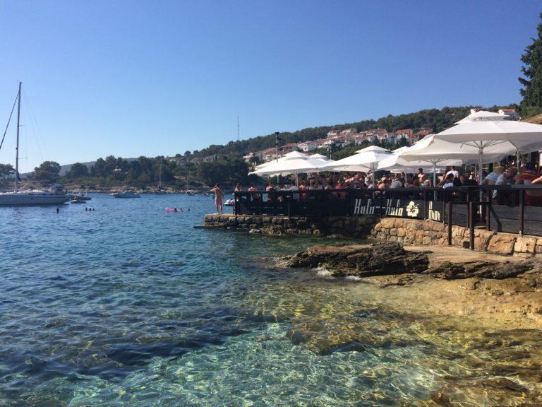 Bar Hula-Hula em Hvar na Croácia