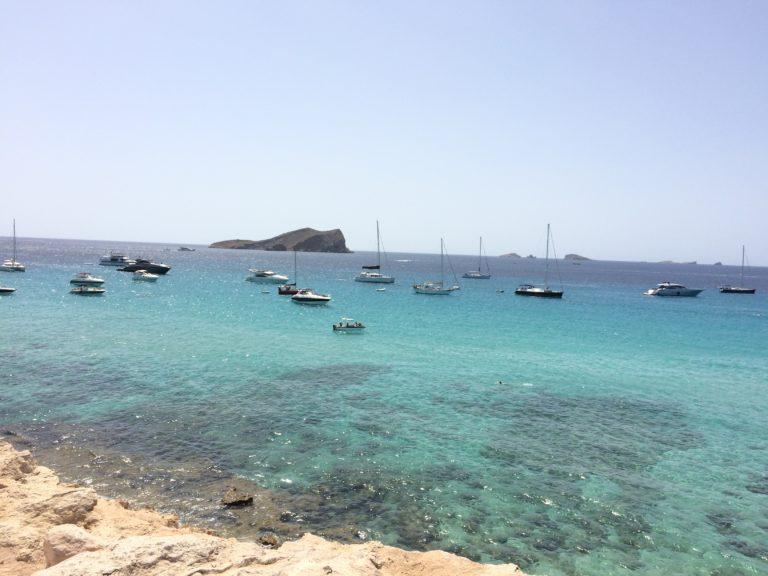 Praia Cala Comte em Ibiza