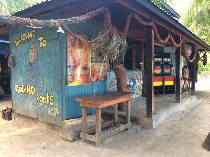 Onde comer em Providência na Colômbia Roland's Bar
