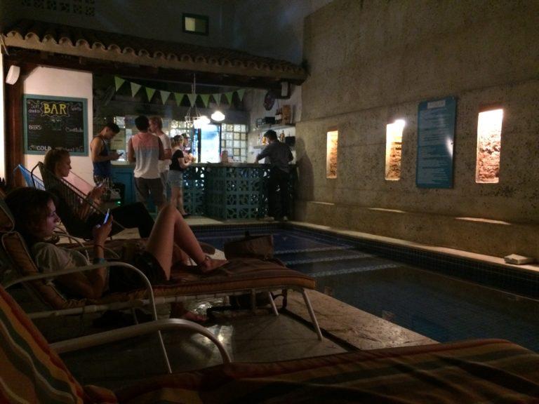 Bar na Piscina Republica Hostel Cartagena
