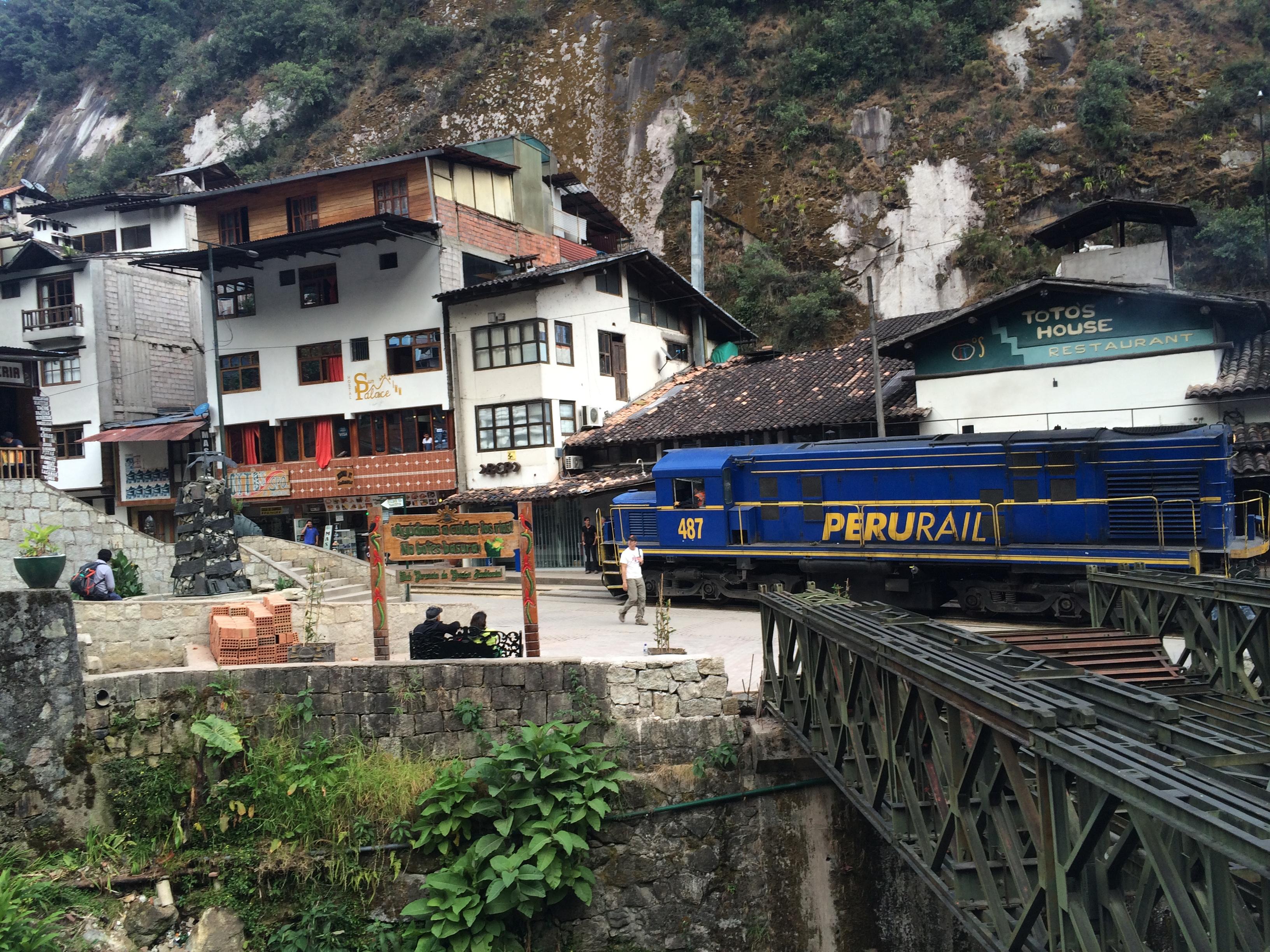 Trem Aguas Calientes Machu Picchu Peru